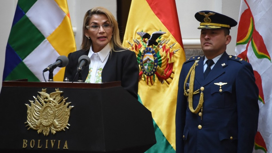 Presidenta de Bolivia anuncia inminente orden de aprehensión contra Evo Morales