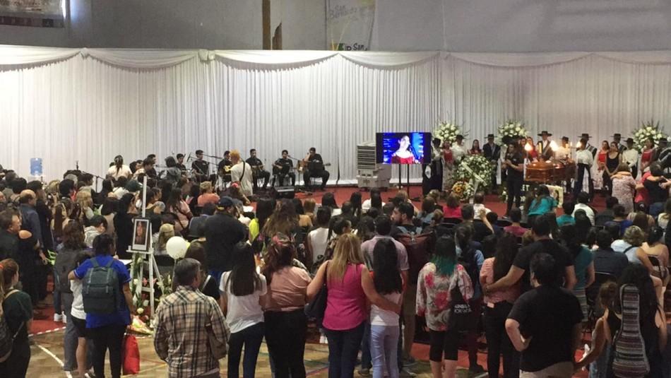Joven asesinada en San Bernardo es velada en Corporación Cultural con presentaciones folklóricas