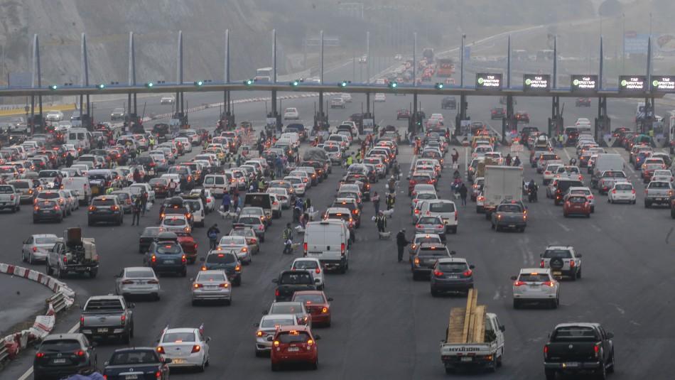 Región Metropolitana: 500.000 vehículos saldrán para Navidad y otros 600.000 para Año Nuevo