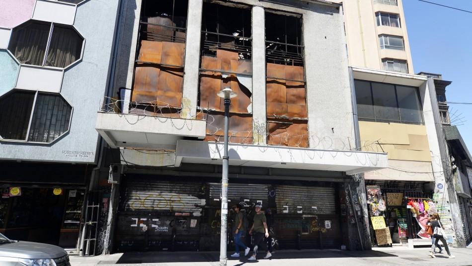 Cuerpos hallados en tienda quemada en Valparaíso: Estuvieron más de un mes sin ser descubiertos