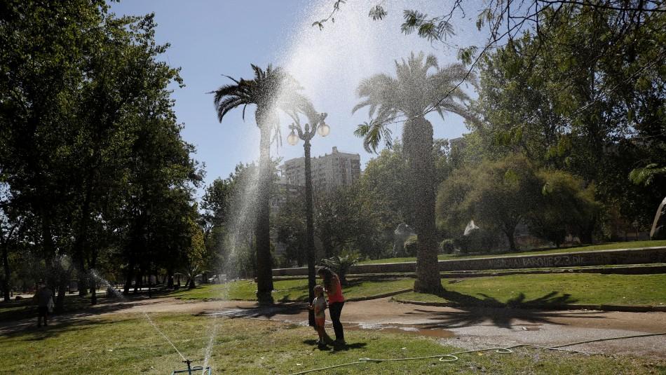 36,7°: Temperatura del lunes fue la tercera máxima histórica de Santiago