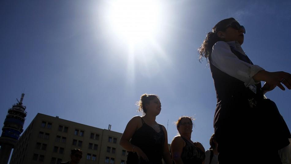 Santiago nuevamente soleado y caluroso: Revisa el pronóstico del tiempo