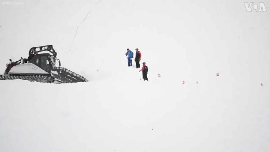 Registran impresionante avalancha en Suiza que sepulta a decenas de esquiadores