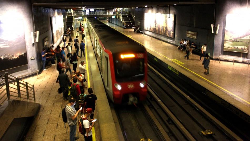 Metro de Santiago cerrará el año con un 82% de la red operativa
