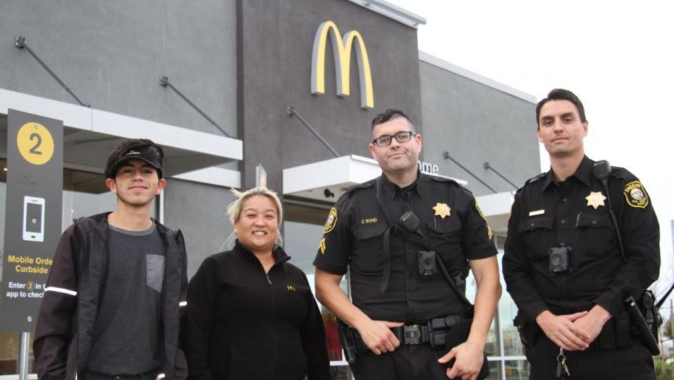 Simuló hacer un pedido: Trabajadores de Mcdonald's ayudan a mujer que se encontraba en peligro