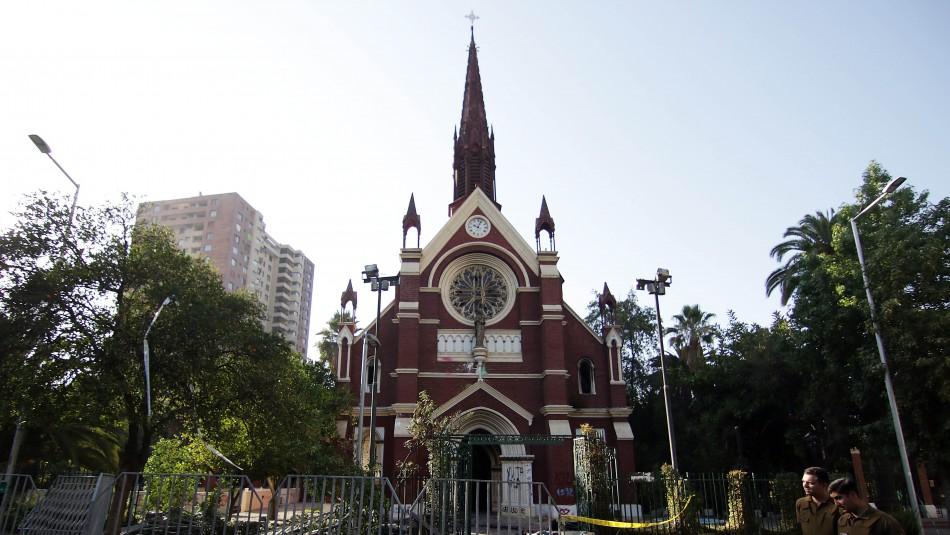 Fiscalía confirma detención de persona que habría participado en ataque e incendio en iglesia de Carabineros