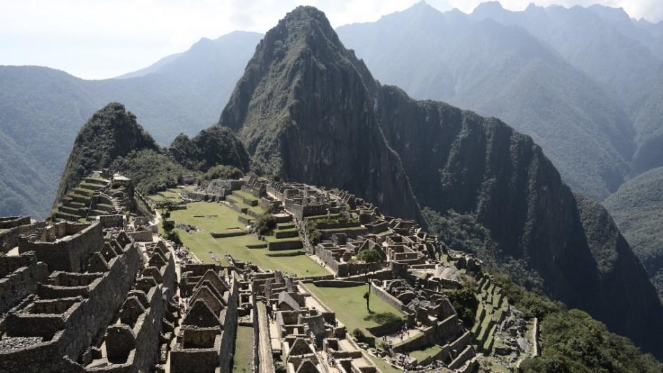 Chileno involucrado: Policía peruana detiene a turistas por dañar templo en Machu Picchu