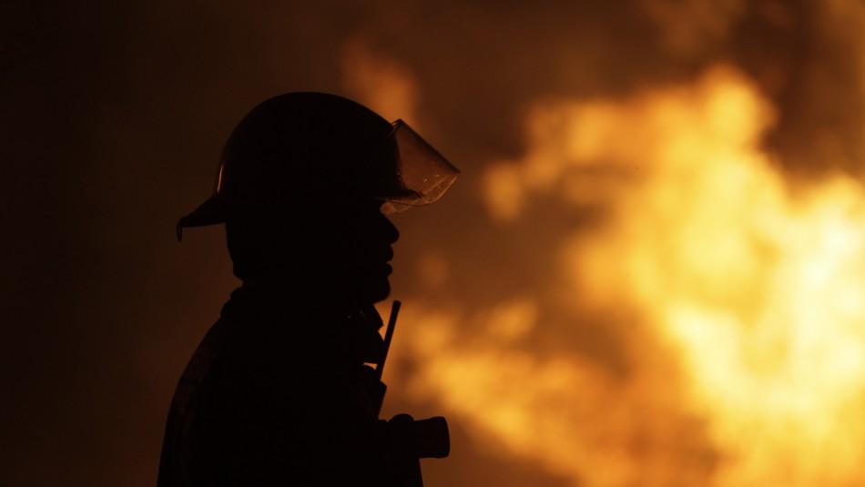 Declaran Alerta Roja por incendio forestal en las comunas de Ercilla y Angol