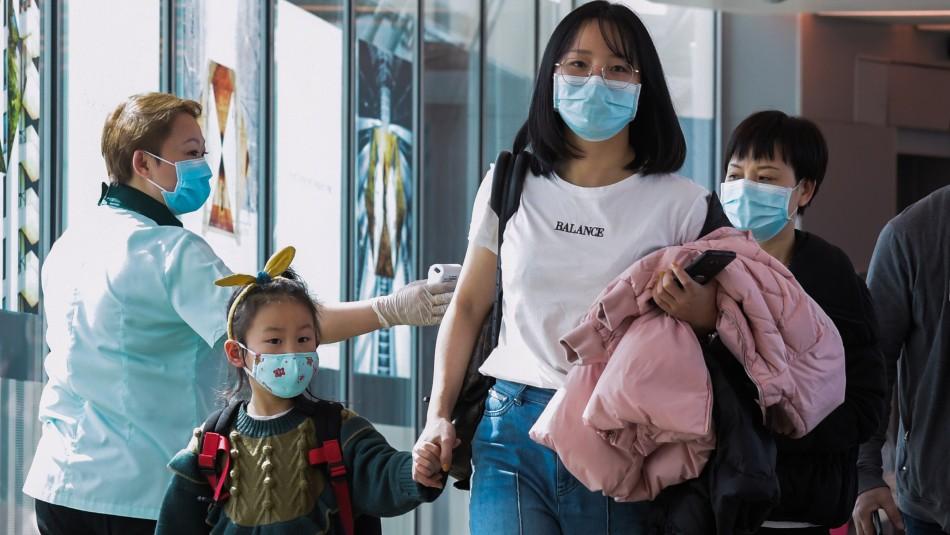 China suspende servicios de tren y avión en la ciudad de origen del Coronavirus