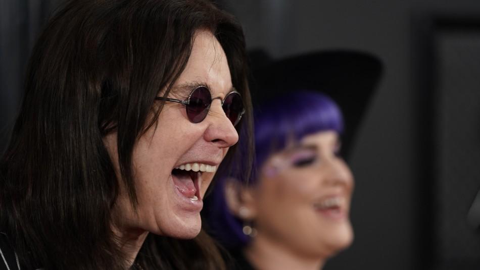 Ozzy Osbourne reaparece en los Grammy usando bastón tras anunciar que tiene parkinson