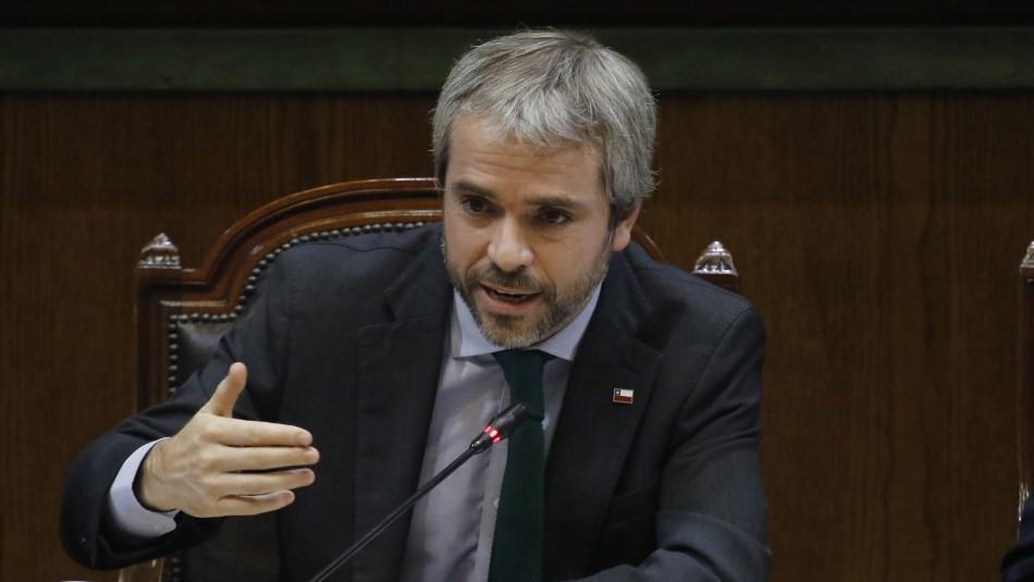 Frente Amplio da ultimátum a Blumel: Destituir a Mario Rozas o enfrentar acusación constitucional
