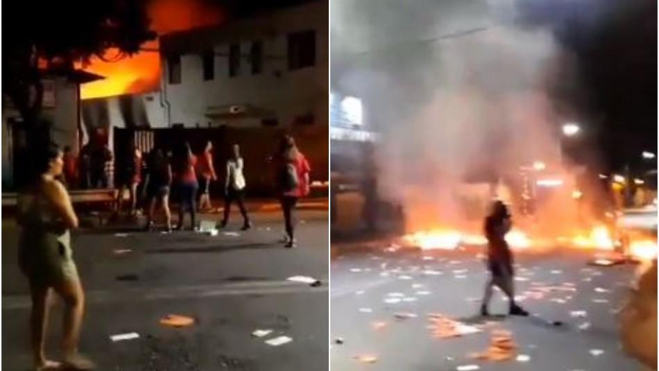 Bomberos trabaja en incendio que consume la Gobernación de Chacabuco en Colina