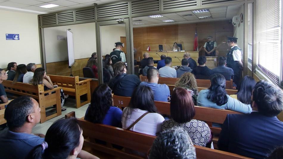 Dictan prisión preventiva para cinco excarabineros formalizados por golpizas a jóvenes en Puente Alto