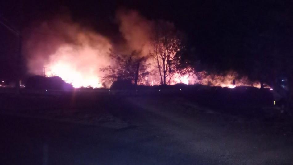 Incendio se registra en la Ruta 5 Sur en la comuna de Rengo