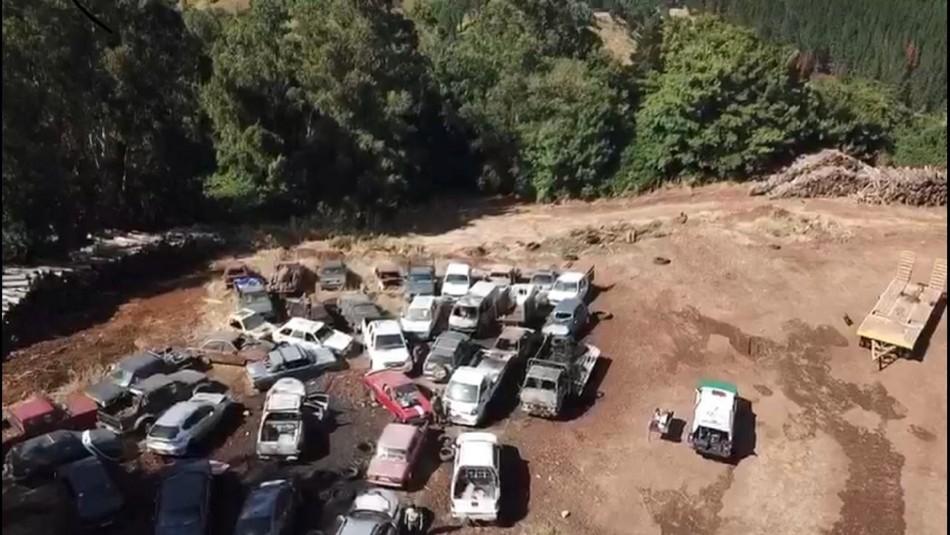 Sujetos destruyen 11 vehículos en recinto de Carabineros en Collipulli