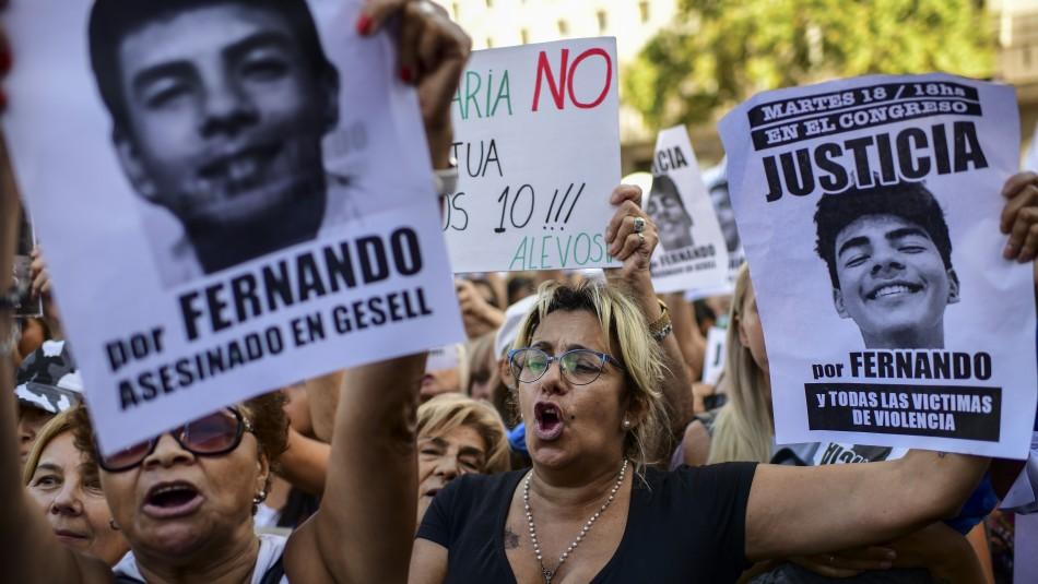 Argentinos salen a las calles para exigir justicia por joven asesinado a golpes por rugbistas