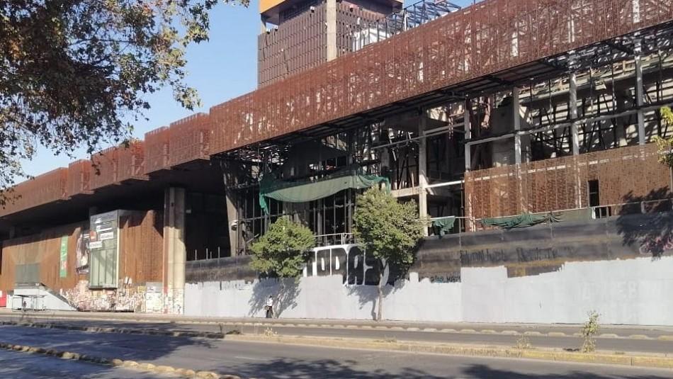 GAM denuncia intervención en murales de su fachada: