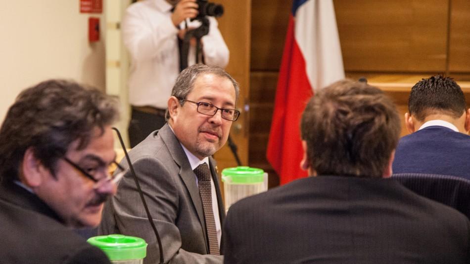 Fiscal de los Ríos es designado para investigar las querellas en contra de Abbott y Campos