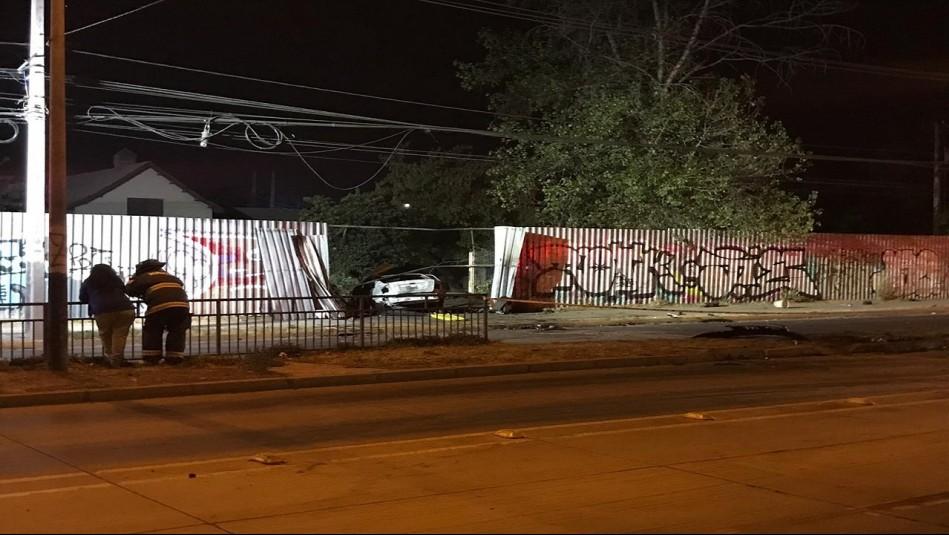 La Pintana: Dos fallecidos tras impactar e incendiarse el vehículo en el que se trasladaban