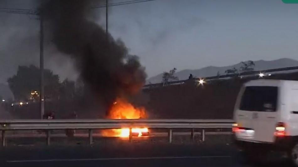 Manifestantes realizaron cortes de tránsito en Autopista del Sol y Alameda