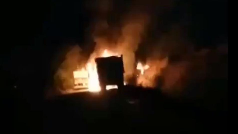 Cinco camiones fueron quemados tras ataque incendario en Collipulli