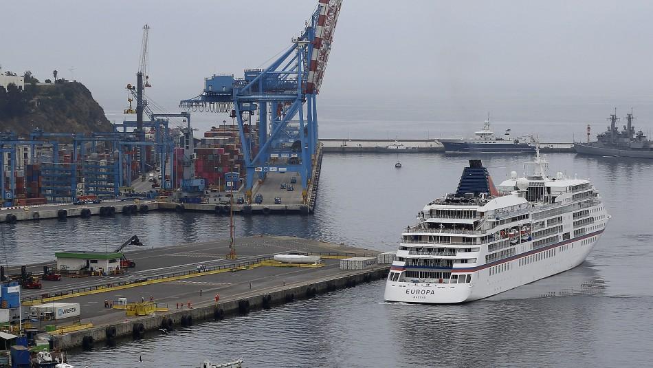 Valparaíso: Crucero que debía recalar en Perú fue devuelto a Chile tras rechazarse su arribo