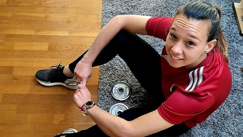 Christiane Endler opta por entrenamiento en casa.