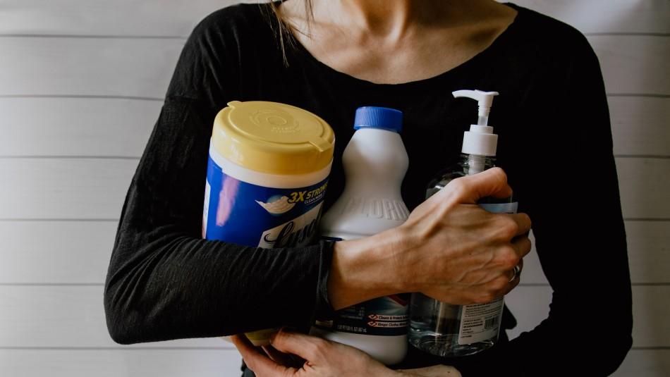 Evita intoxicaciones: Las mezclan que no se deben hacer a la hora de limpiar una superficie