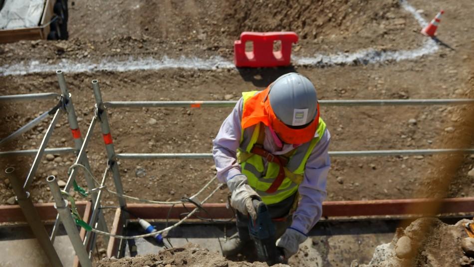 Ministra Zalvídar y proyecto que protege el empleo y garantiza sueldos: