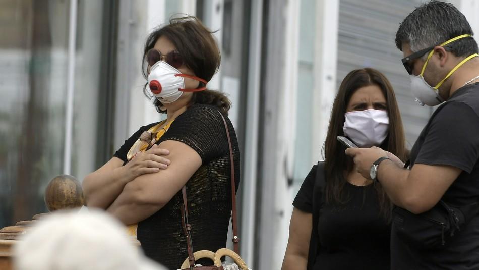 Octavo fallecido por coronavirus en Chile y cifra de contagiados llega a los 2.449