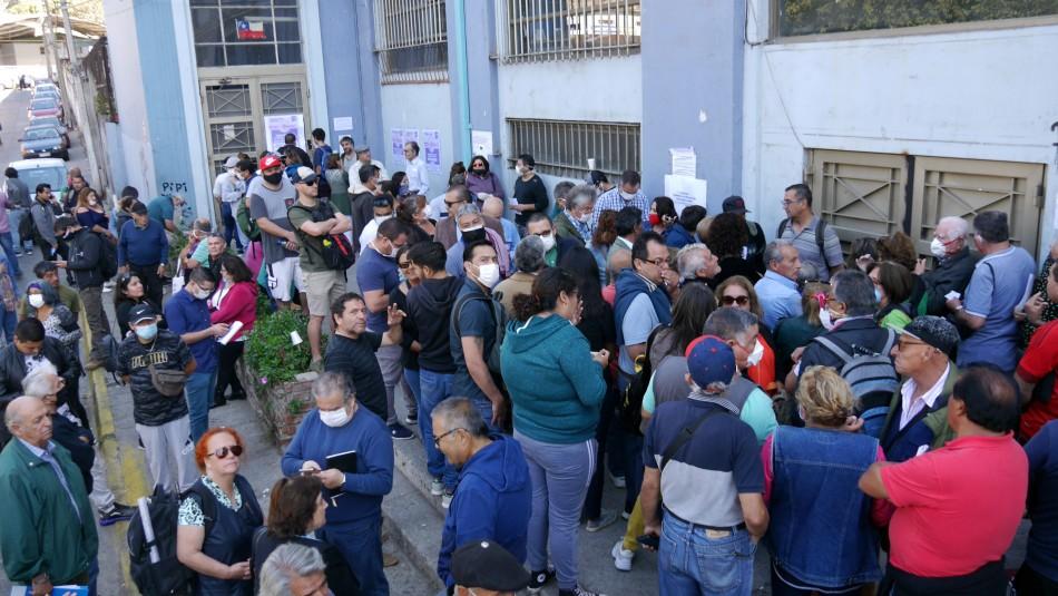 Pago del permiso de circulación provocó grandes filas en distintas comunas del país