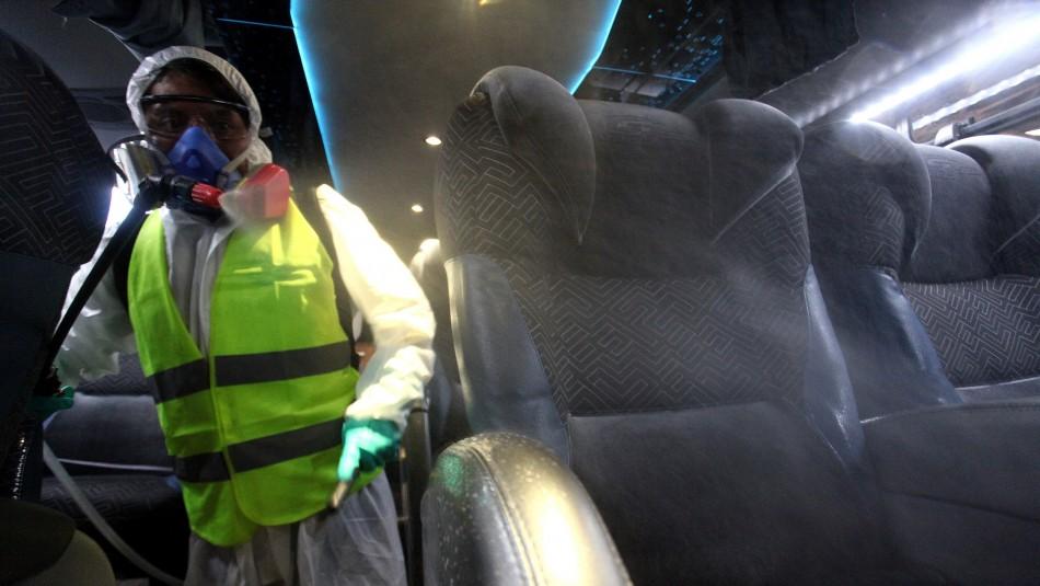 Detienen a hombre que debía estar en cuarentena preventiva: Llegó en bus a Santiago