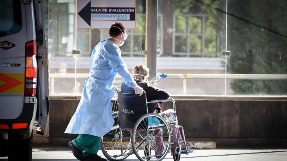 Mañalich: Casi 200 funcionarios de la salud tienen coronavirus