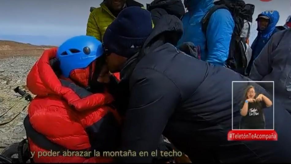 Cumbres inclusivas: La historia del joven Teletón que llegó a la cima gracias a un grupo de amigos