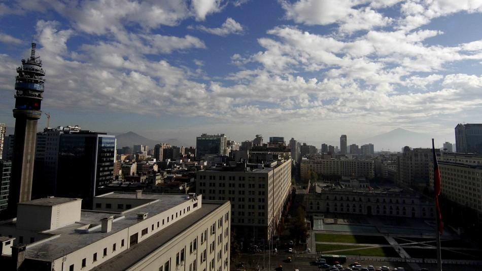 Santiago brumoso variando a despejado: Revisa el pronóstico del tiempo
