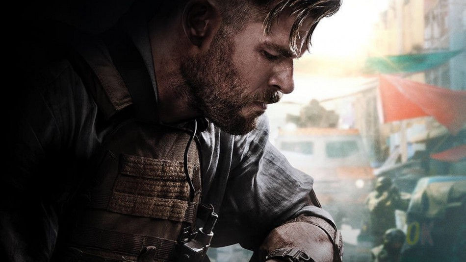 Chris Hemsworth se convierte en mercenario en la nueva cinta original de Netflix: Mira el tráiler