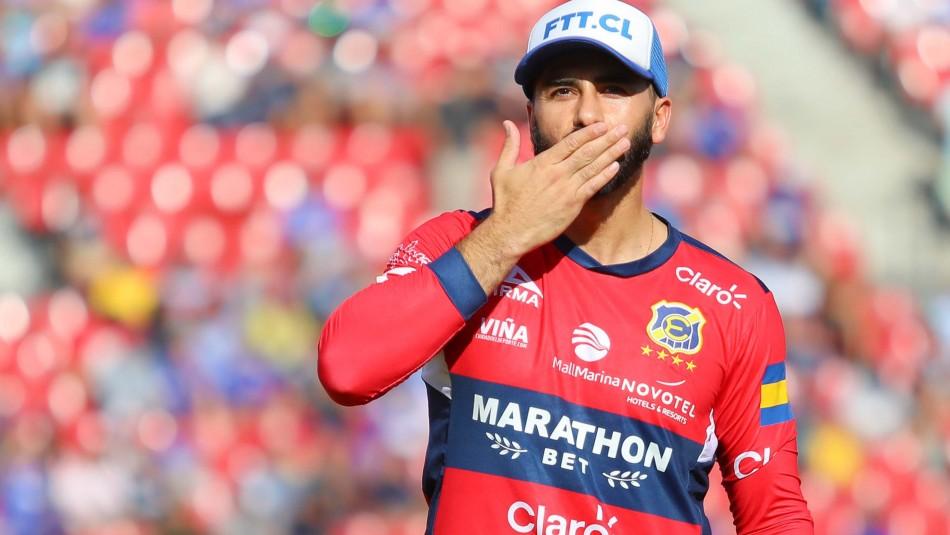 Johnny Herrera recuerda a fallecida madre.