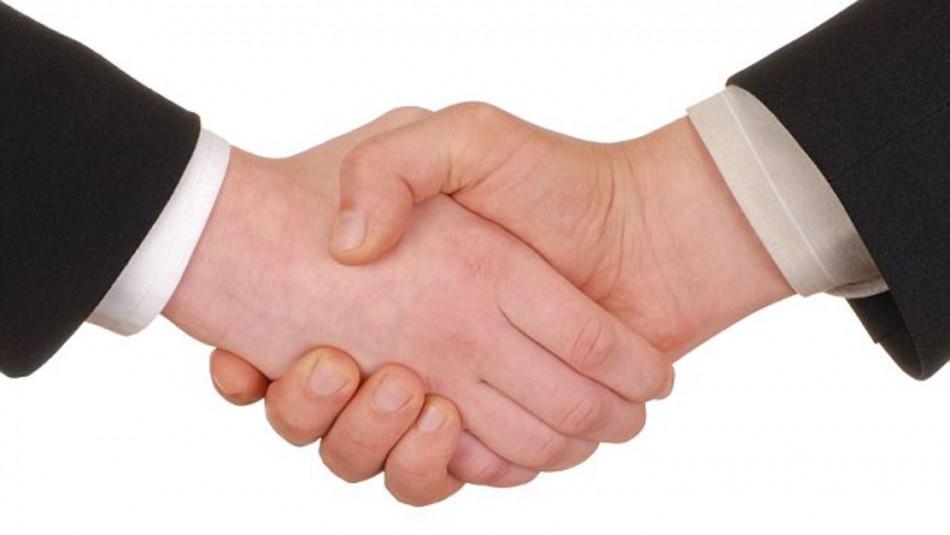 Epidemiólogo de Estados Unidos sugiere erradicar para siempre el saludo de mano para evitar infecciones