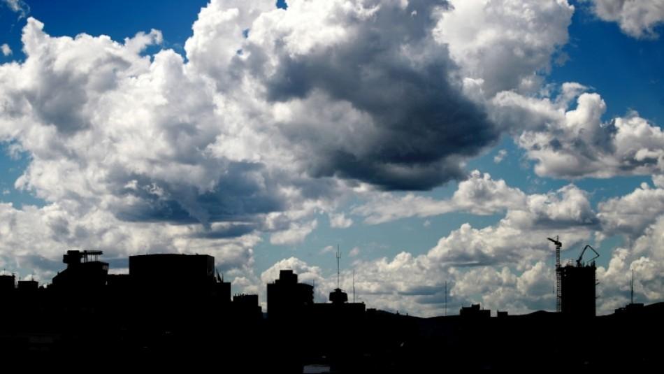 Santiago con nubosidad: Revisa el pronóstico del tiempo