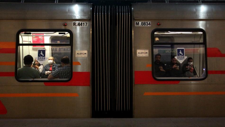 Metro de Santiago informa que se superó el problema en el servicio de la Línea 3