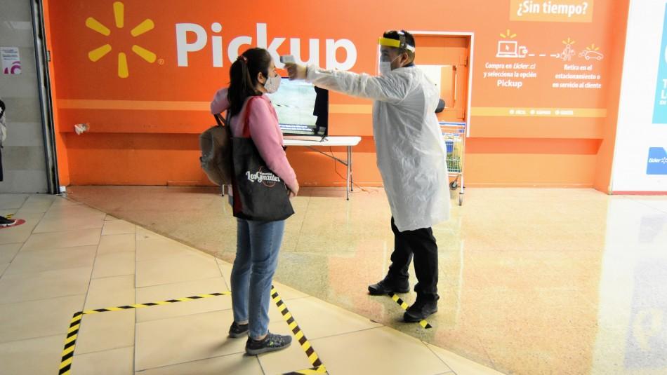Walmart implementa toma de temperatura a clientes para evitar contagios por coronavirus
