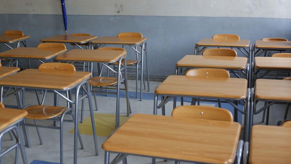 Colegio de Profesores por posible extensión del año escolar hasta el verano: