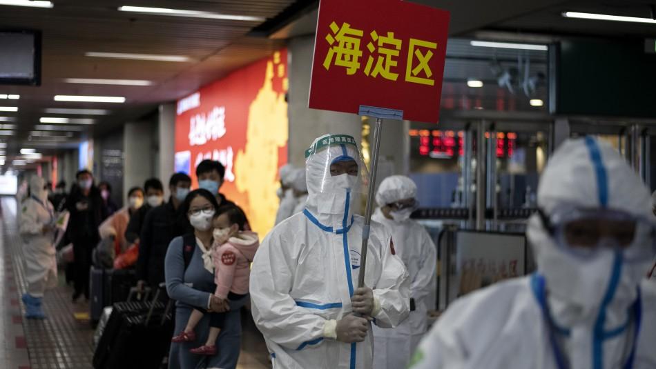 China revisa al alza el balance del coronavirus: Registran casi 1.300 muertos adicionales
