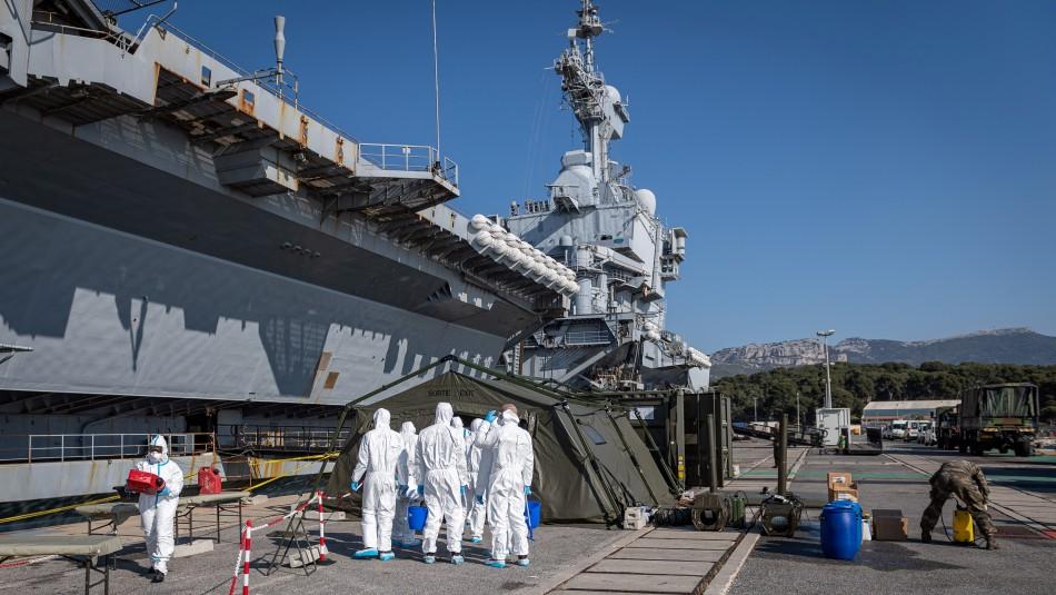 Más de 1.000 marinos dan positivo al coronavirus en portaaviones francés Charles de Gaulle