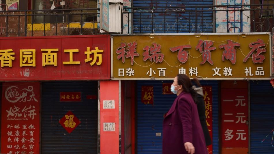 China niega haber ocultado información tras elevar drásticamente su balance de muertos por coronavirus