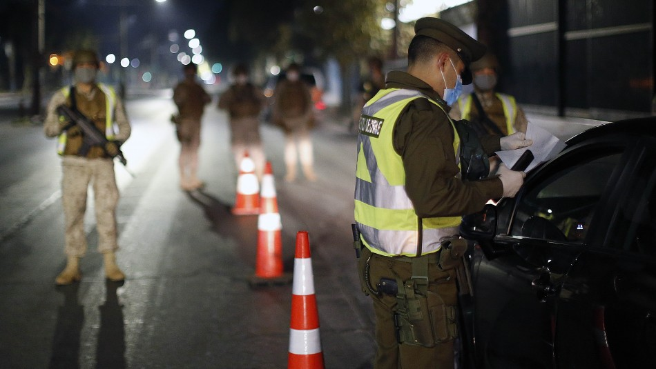 Carabineros informó que se registraron 782 detenciones por no respetar el toque de queda