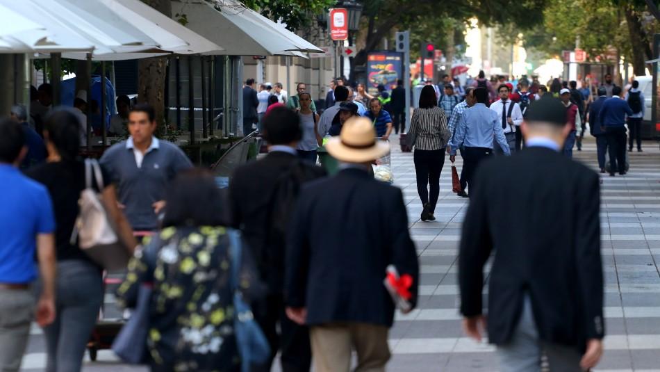 Banco Central informa que endeudamiento en hogares llegó a un 74,5% de sus ingresos