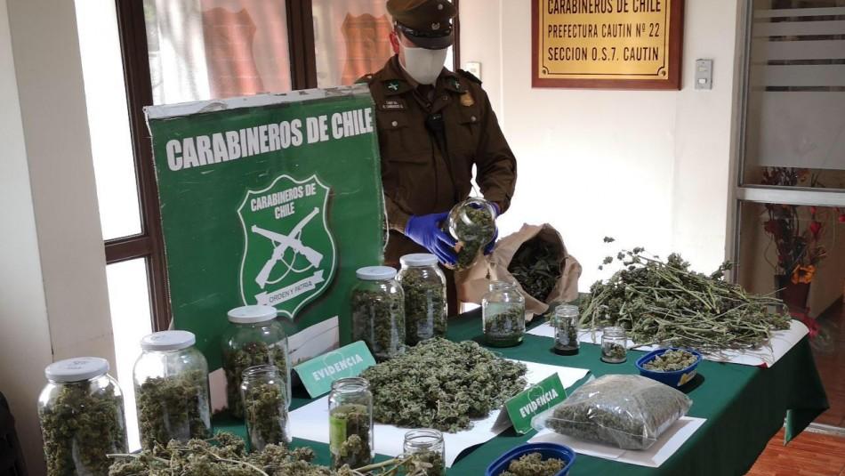 Carabineros incauta armamento, municiones y droga avaluada en más de $20 millones en dos regiones del país