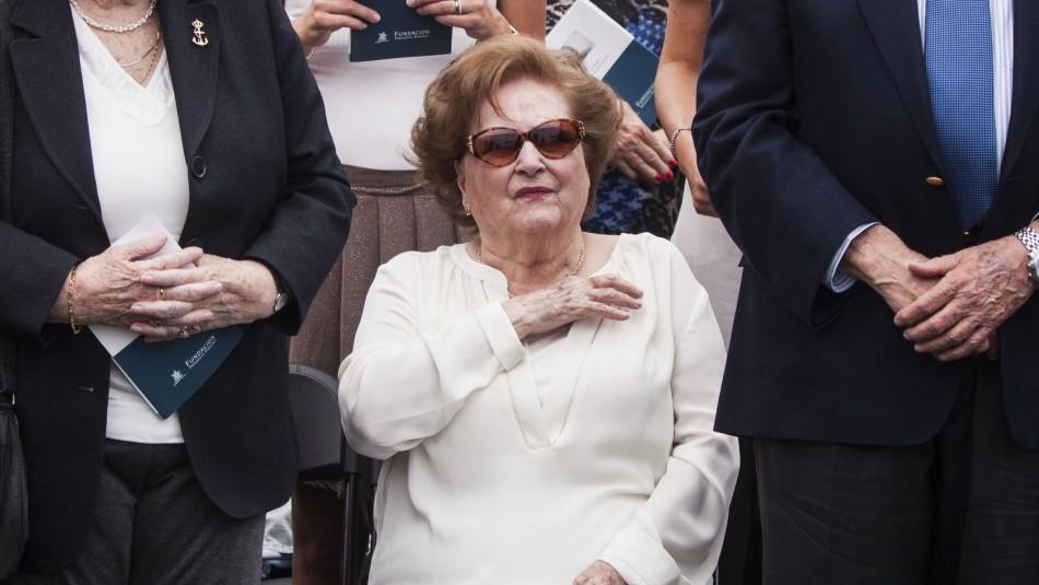 Lucía Hiriart publica condolencias por muerte de Sergio Onofre Jarpa