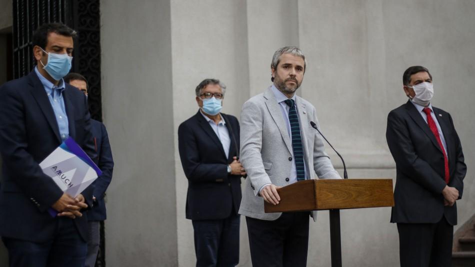 Blumel y controversia Mañalich-AMUCh: No hay que desviarnos en polémicas innecesarias